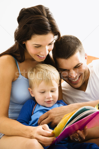 Familie lezing kaukasisch ouders zoon Stockfoto © iofoto