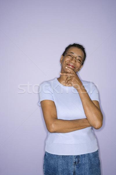 Portré érett nő afroamerikai középkorú felnőtt női áll Stock fotó © iofoto