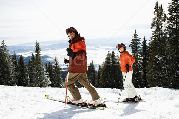 Coppia sci montagna vista laterale Foto d'archivio © iofoto