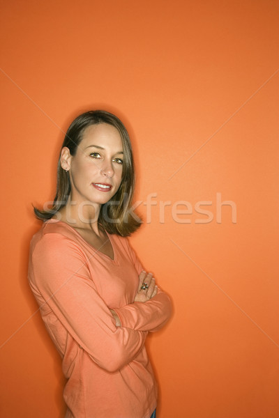 Portret jonge vrouw kaukasisch vrouw permanente Stockfoto © iofoto