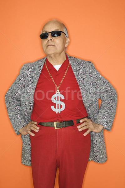 Férfi visel pénz felirat középkorú felnőtt kaukázusi Stock fotó © iofoto