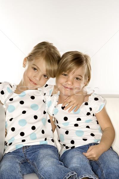 Meisje tweelingen vergadering samen vrouwelijke kinderen Stockfoto © iofoto