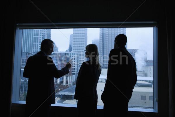 Foto stock: Olhando · fora · janela · grande · cidade
