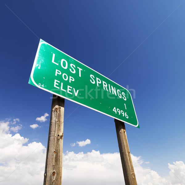 Kayıp yol işareti görmek nüfus imzalamak Stok fotoğraf © iofoto