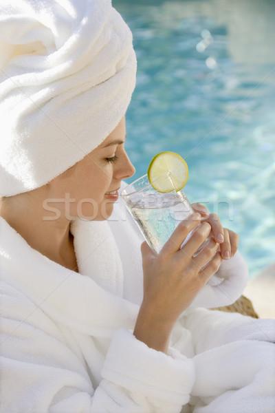 Vrouw drinken kaukasisch gewaad handdoek Stockfoto © iofoto