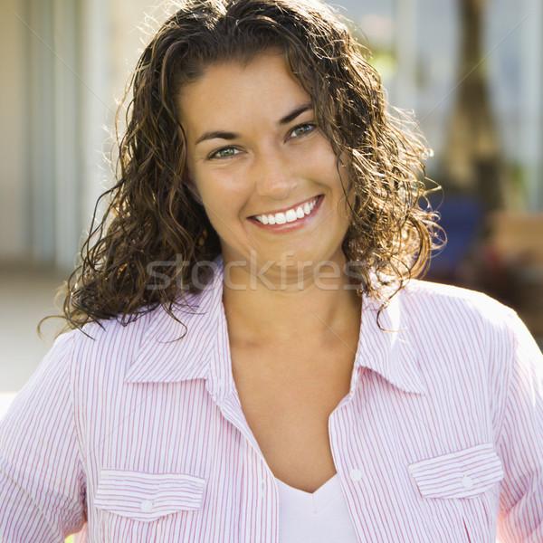красивая женщина улыбаясь портрет довольно кавказский Сток-фото © iofoto