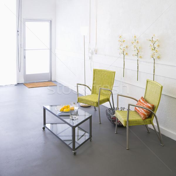 Moderno mobiliário quarto braço cadeiras mesa de café Foto stock © iofoto