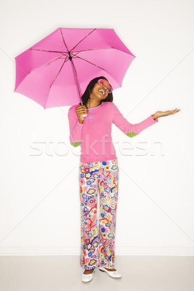 Stock fotó: Lány · esernyő · portré · tinilány · tart · rózsaszín