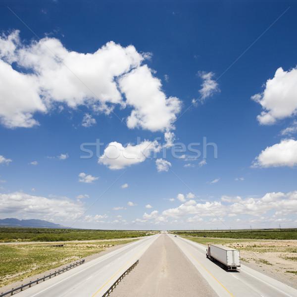 Autostrady ciągnika widoku ciężarówka niebieski Zdjęcia stock © iofoto