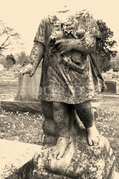 Posąg cmentarz anioł kamień głowie podziale Zdjęcia stock © iofoto