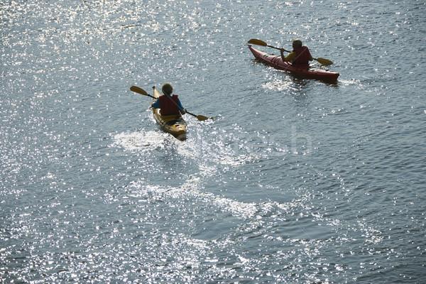 Foto d'archivio: Ragazzi · due · ragazzi · adolescenti · kayak · calvo