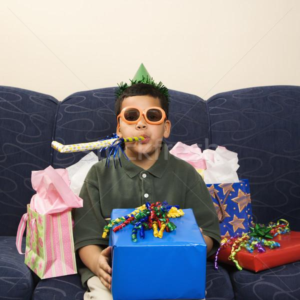 Fiú születésnap spanyol születésnapi buli ajándékok néz Stock fotó © iofoto