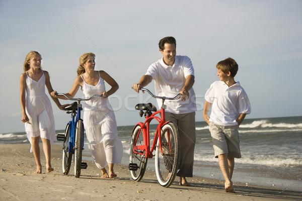 семьи пляж вниз матери отец Сток-фото © iofoto