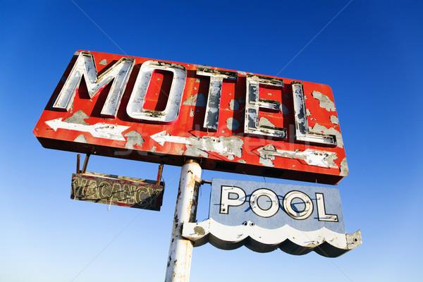 Verweerde retro motel teken oude neon Stockfoto © iofoto