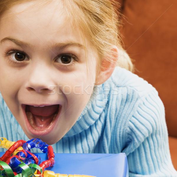 Izgatott lány kaukázusi néz gyermek születésnap Stock fotó © iofoto