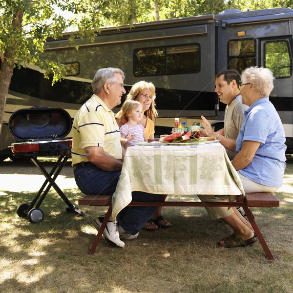 Familie picknicktafel drie generatie kaukasisch Stockfoto © iofoto