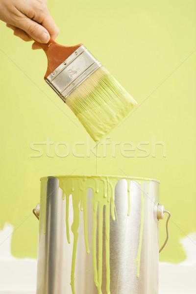 Vrouw schilderij muur kaukasisch vrouwelijke hand Stockfoto © iofoto