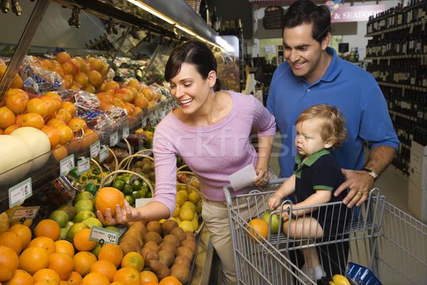 Stok fotoğraf: Aile · bakkal · alışveriş · kafkas · ebeveyn · meyve