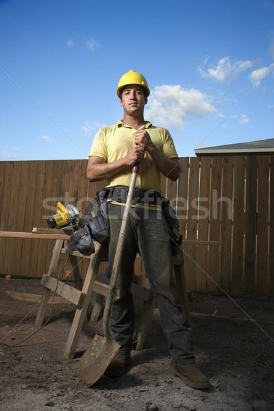 ストックフォト: 建設作業員 · 立って · シャベル · 男性 · 白人 · 黄色