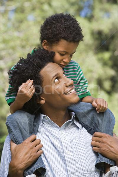 Boldog apa fia apa hordoz fiú vállak Stock fotó © iofoto