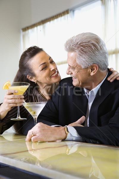 Pár iszik bár kaukázusi középkorú felnőtt férfi Stock fotó © iofoto