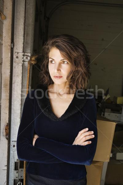 ストックフォト: 魅力のある女性 · 肖像 · かなり · 白人 · 女性 · 立って