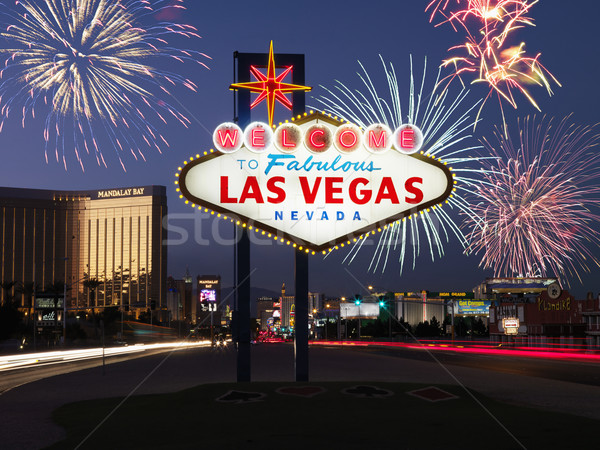 Las Vegas Bienvenue signe feux d'artifice lecture fabuleux Photo stock © iofoto