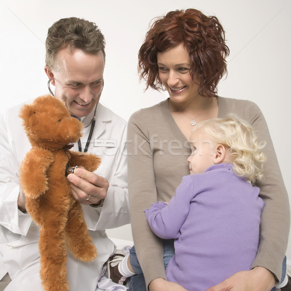 Stock fotó: Orvos · gyermek · középkorú · felnőtt · kaukázusi · férfi · orvos