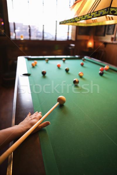 Frau Schießen Pool Hand Ball spielen Stock foto © iofoto