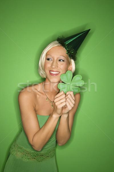 Nő tart shamrock portré mosolyog fiatal felnőtt Stock fotó © iofoto