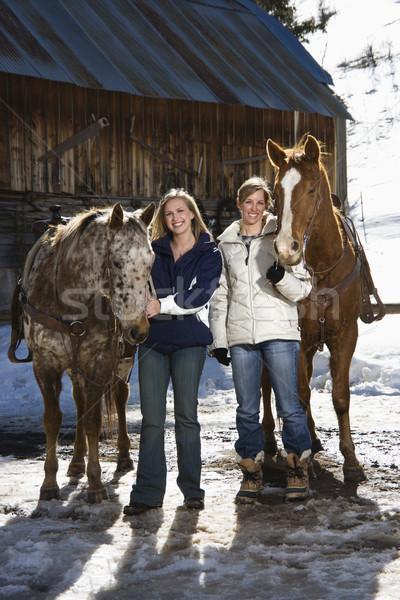 Foto stock: Mujeres · caballos · dos · caucásico · sonriendo