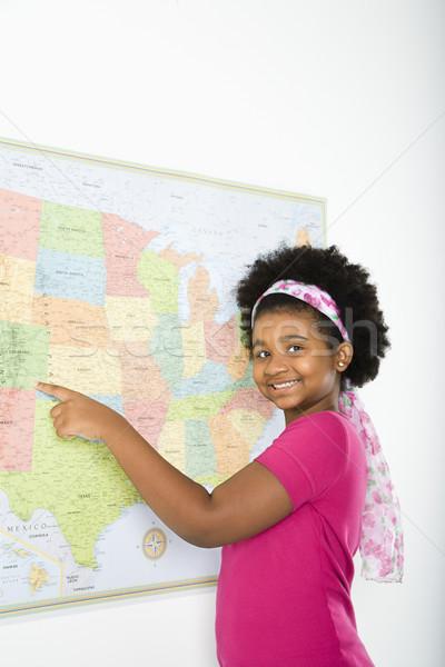 Iskolás lány térkép afroamerikai lány mutat Egyesült Államok Stock fotó © iofoto