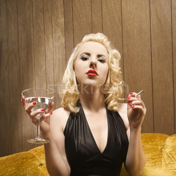 Mujer martini atractivo caucásico cigarrillo Foto stock © iofoto