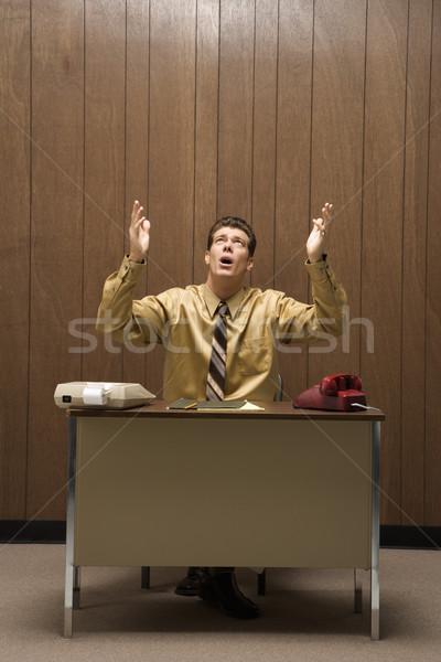 Foto stock: Frustrado · empresário · retro · sessão · secretária · mãos