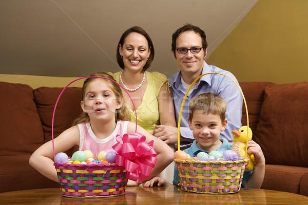 Wielkanoc portret rodzinny rodziny patrząc dzieci Zdjęcia stock © iofoto