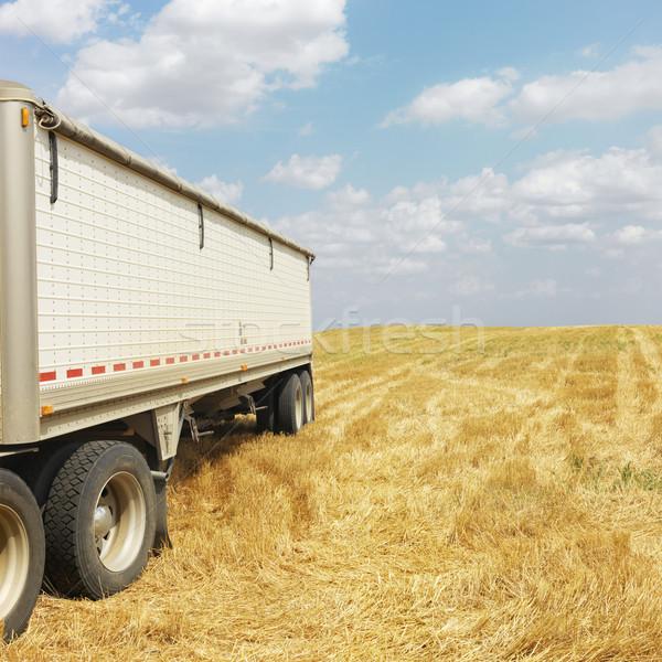 Traktor teherautó mező termény farm szín Stock fotó © iofoto