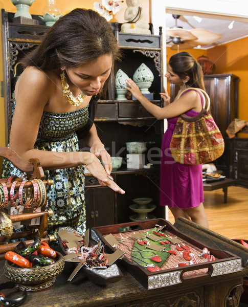 Donne boutique african american indian shopping shop Foto d'archivio © iofoto
