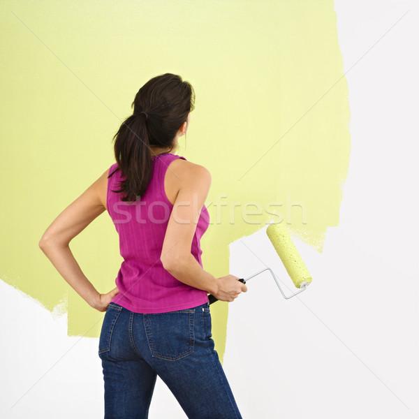 Stockfoto: Vrouw · schilderij · muur · permanente · naar · gedeeltelijk