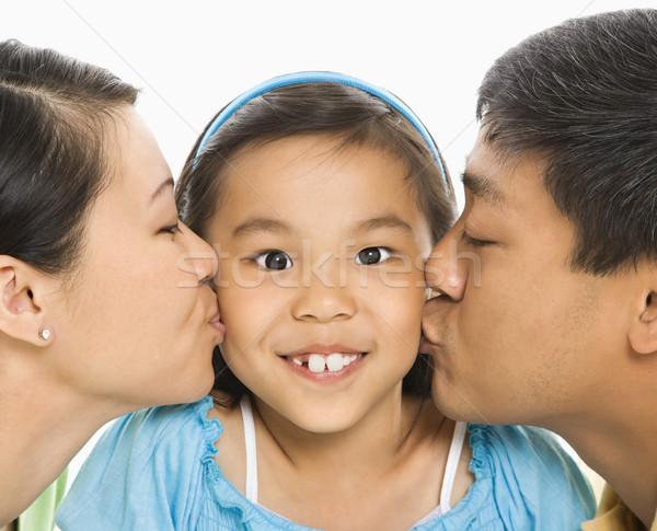 Parents baiser fille asian mère père Photo stock © iofoto