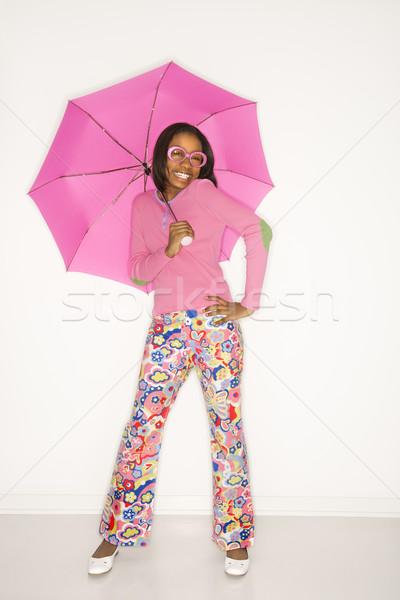 Stock fotó: Lány · mosolyog · tart · esernyő · portré · tinilány
