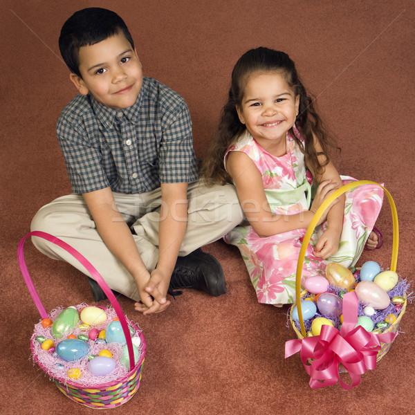 Kinderen Pasen latino broer zus vergadering Stockfoto © iofoto