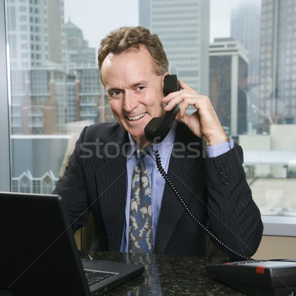 Biznesmen telefonu biuro mężczyzna Zdjęcia stock © iofoto