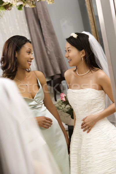 Novia dama de honor hablar Asia mujer matrimonio Foto stock © iofoto