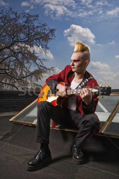 Punk giocare chitarra ritratto maschio Foto d'archivio © iofoto