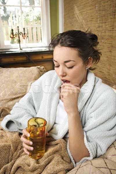 Stock fotó: Fiatal · nő · elvesz · gyógyszer · beteg · fürdőköpeny · tabletták