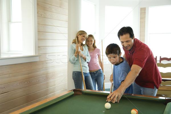 Familie spielen Pool Mann Junge Schießen Stock foto © iofoto