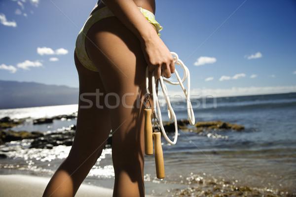 Nő tengerpart fiatal felnőtt ázsiai női áll Stock fotó © iofoto