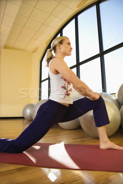 Mujer gimnasio femenino fitness color foto stock for Gimnasio femenino