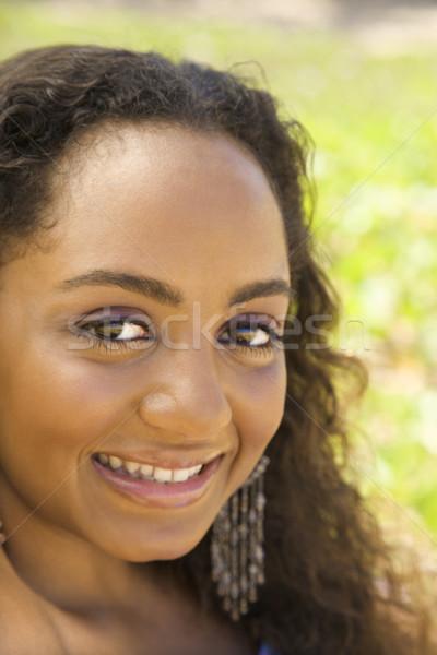 若い女性 笑みを浮かべて アフリカ系アメリカ人 女性 アイコンタクト ストックフォト © iofoto