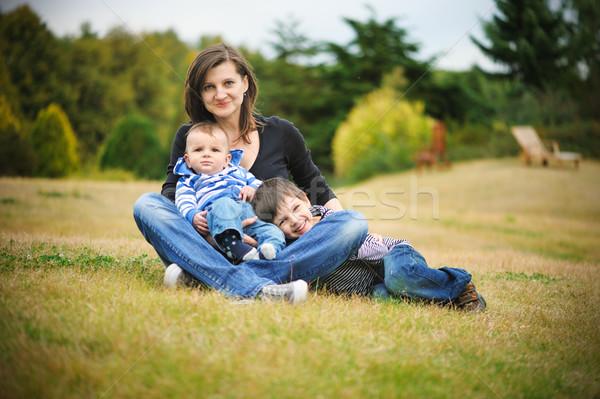 матери сидят парка счастливым ребенка весело Сток-фото © Ionia